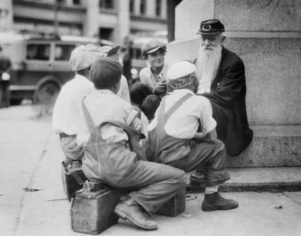Дети и ветеран гражданской войны в Пенсильвании, США, в 1935 году