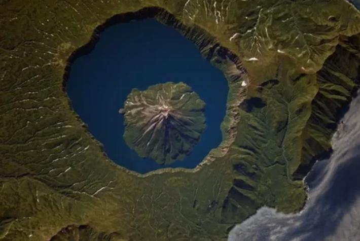 вулкан, снимок