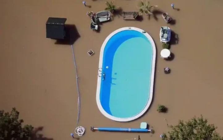 бассейн, наводнение