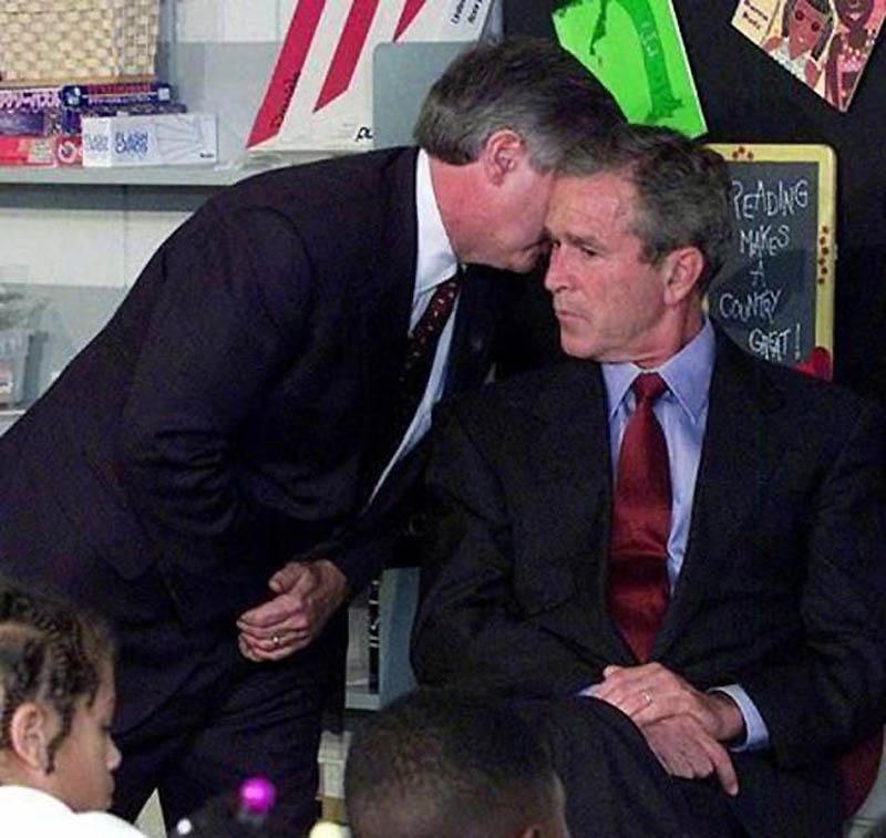 Момент, когда Джорджу Бушу-младшему сообщили о теракте 11 сентября