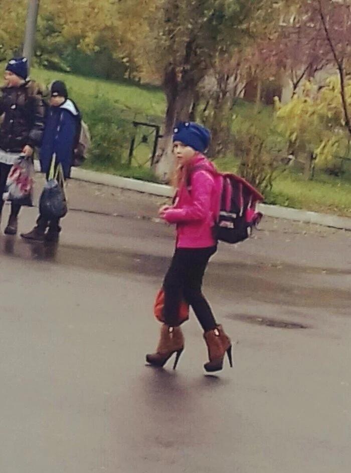 девочка, каблуки