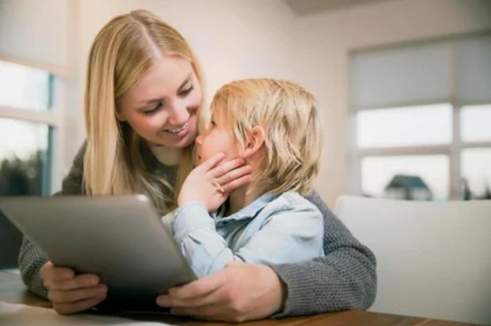 Для развития здоровой самооценки ребенок нуждается в одобрении со стороны родителей
