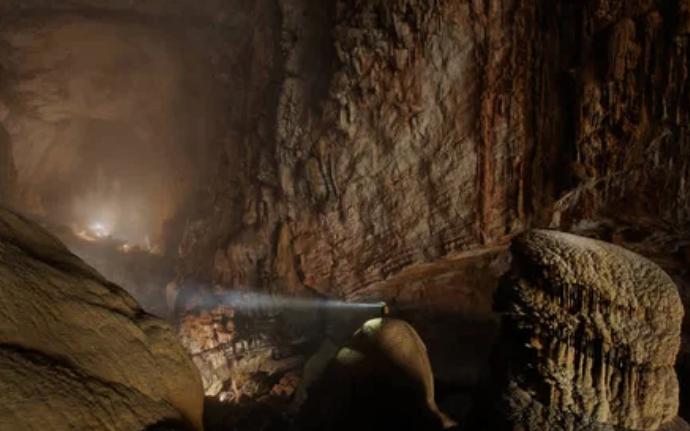 Пещера горной реки, Вьетнам / Carsten Peter