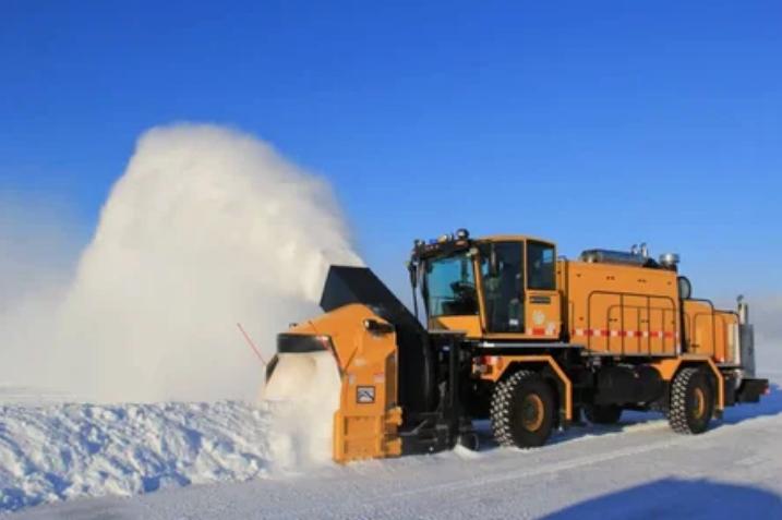Снегоуборочная машина появилась благодаря женщине