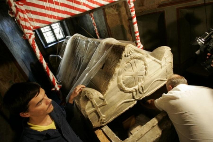 саркофаг, вскрытие