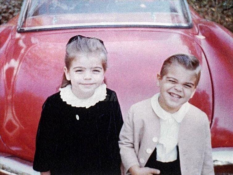 Джордж Клуни со своей сестрой - модные и красивые