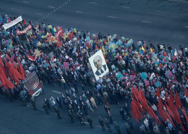 Первомайское шествие в Москве в 1989 году