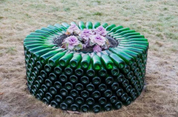 бутылки, цветник