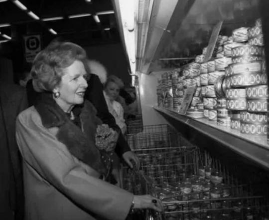 Маргарет Тэтчер в магазине «Диета» в Крылатском, Москва, 1987 год.