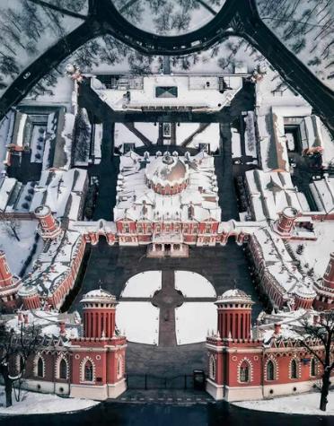 Петровский путевой дворец, Москва, Россия / @Борщ (Россия)
