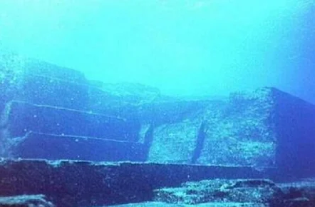 На дне Бермудского треугольника обнаружен город