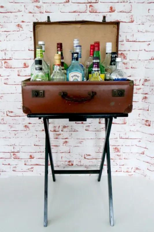 бар, чемодан