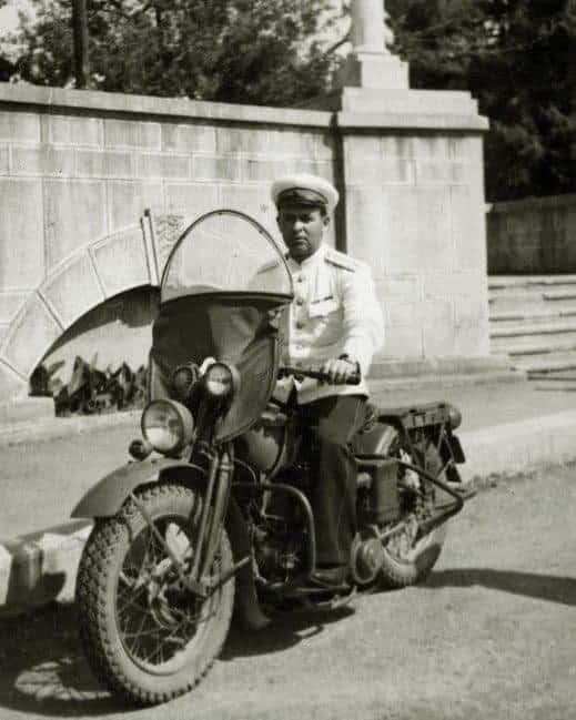 милиционер, мотоцикл