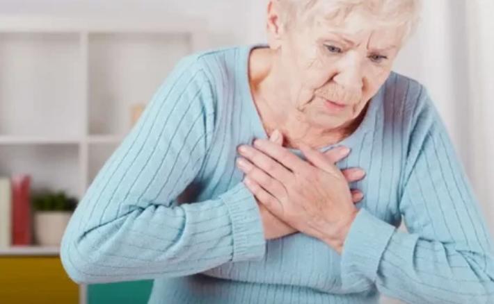 Частое зевание-типичное поведение человека, только что пережившего инсульт