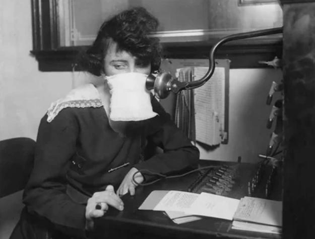 """Телефонистка в повязке, 1918 год, пандемия """"испанки"""""""
