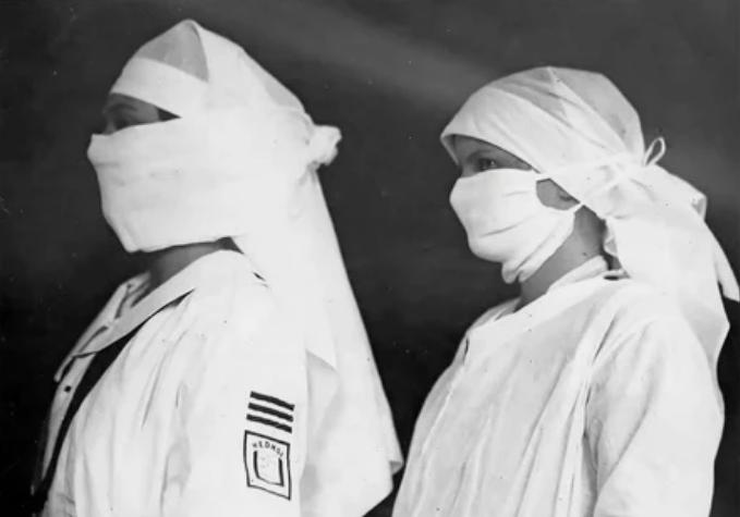 Медсестры в бостонских больницах оснащены масками для борьбы с гриппом весной 1919 года