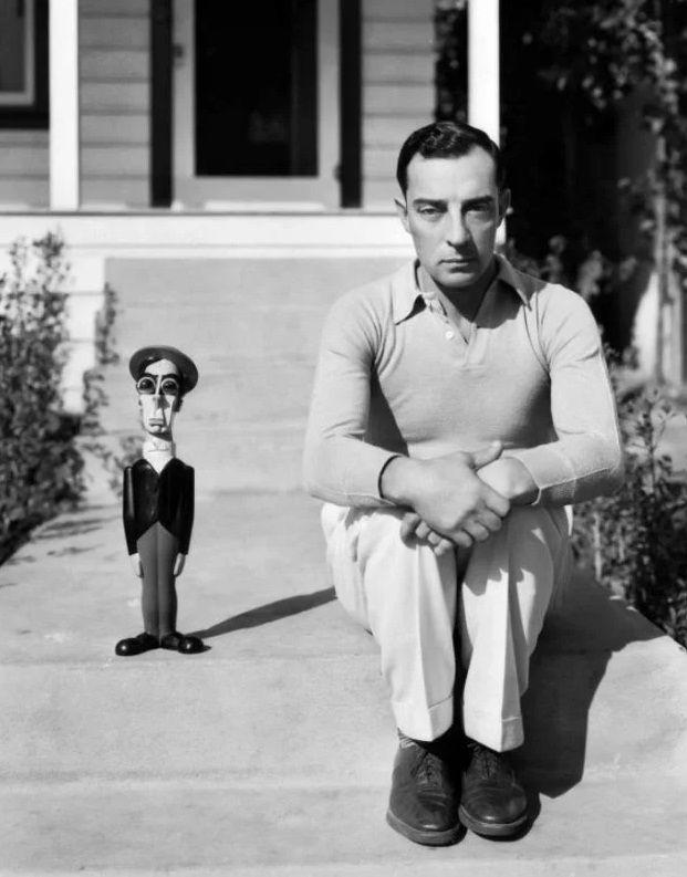Бастер Китон и его кукла в 1931 году
