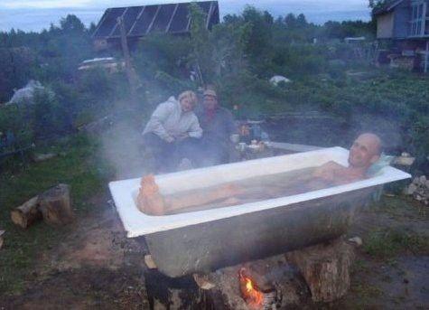 ванна, костер, мужчина