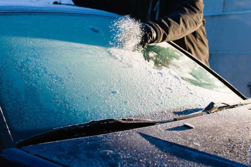 кола против замороженных стекол
